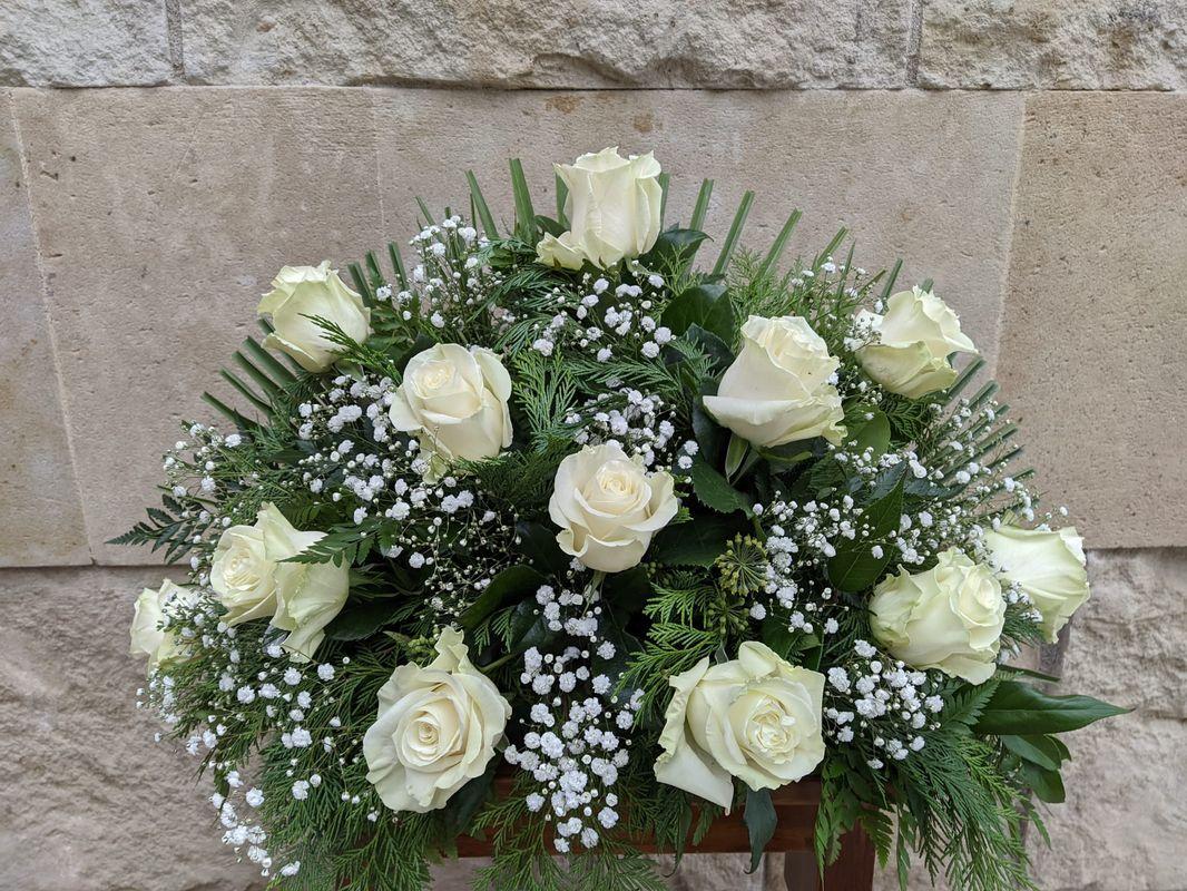 Centro docena rosas blancas