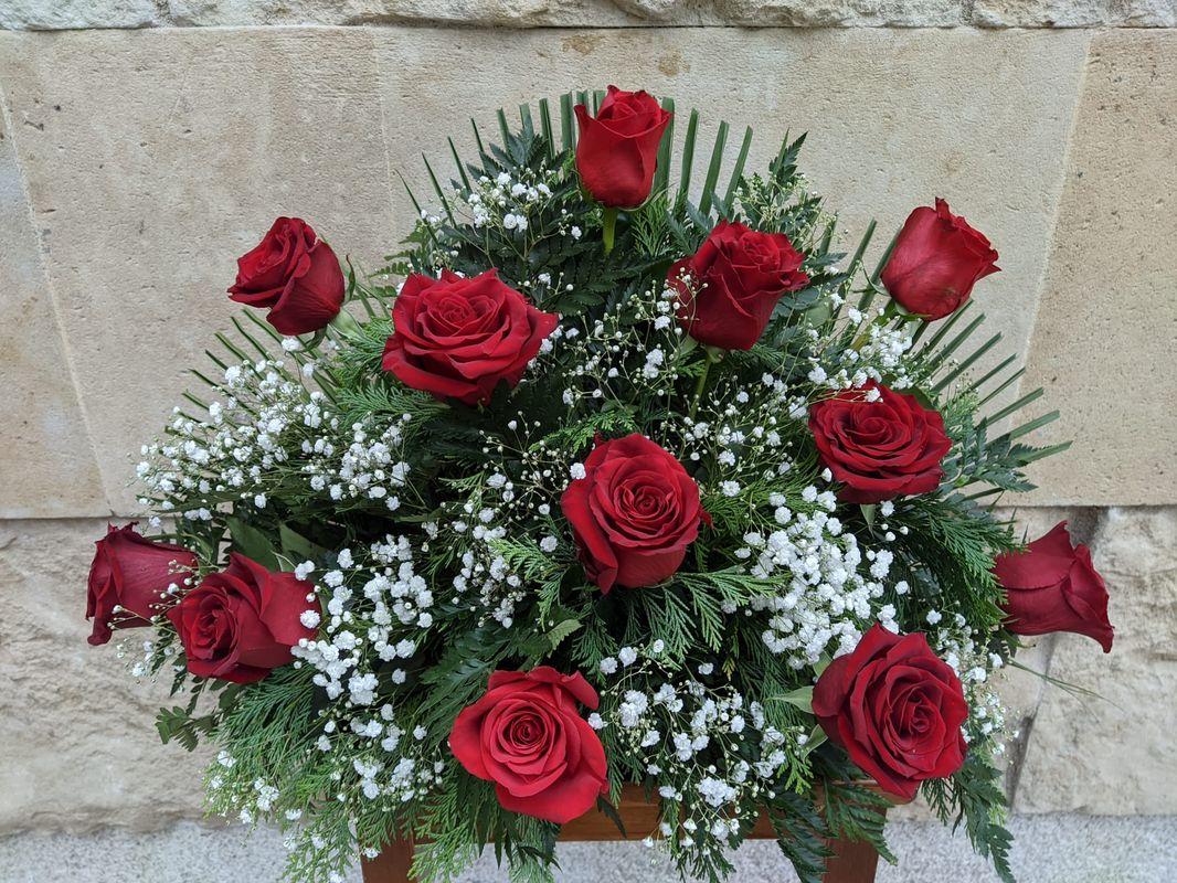 Centro docena rosas rojas